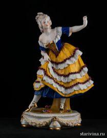 Танцовщица в сине-желтом платье, E & A Muller, Германия, до 1927 года