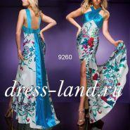 Вечернее платье с ярким цветочным принтом