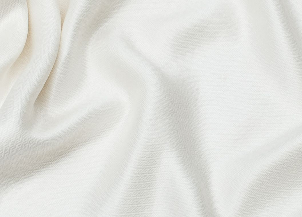 Сливочно-белый шарф-палантин из шелка с шерстью (Москва)