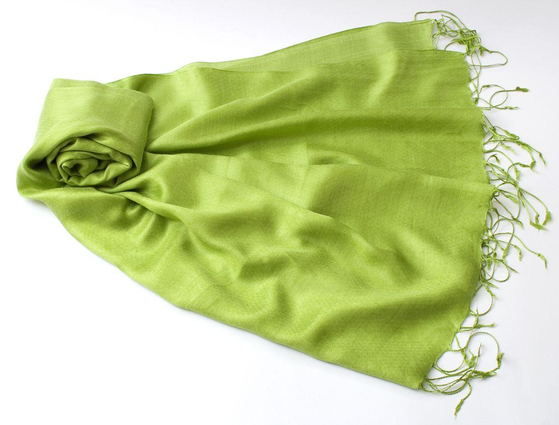 """Зеленое яблоко, шарф-палантин """"Шелковая нега"""" (отправка из Индии)"""