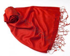 """Красный шарф-палантин """"Шелковая нега"""""""
