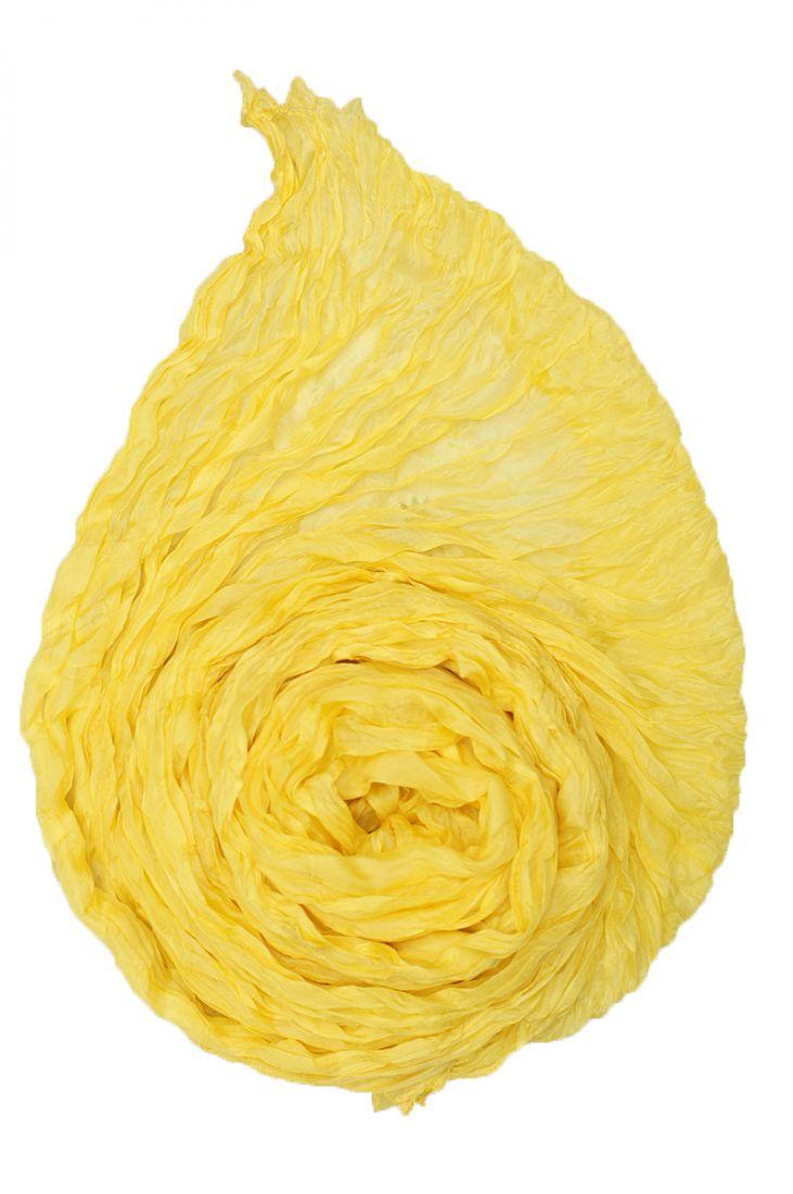 Жёлтый шёлковый шарф