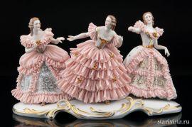 Три девушки в кружевных платьях, Muller & Co, Volkstedt, Германия, нач. 20 века., артикул 00724