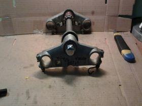 траверсы в сборе (верхняя и нижняя)  Honda  VT250