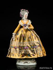Дама в желтом платье с веером, Potschappel, Германия, кон. 19, нач. 20 вв