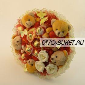 """Букет из игрушек и конфет №270-5К """"Интересный"""""""