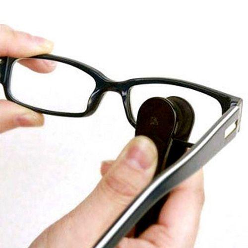 Устройство Eyeglass Microfiber Brush из микрофибры для чистки солнцезащитных и обычных очков