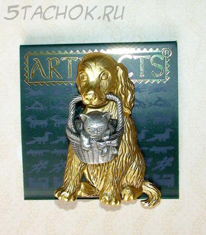 """Брошь """"Щенок и котенок в корзинке"""" под античное золото/олово"""