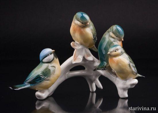 Фарфоровая статуэтка птиц Четыре лазоревки на ветке производства Karl Ens, Германия