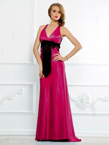 Атласное платье с роскошным бантом и кружевом