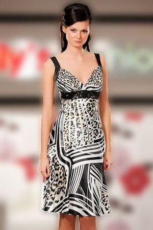 Атласное платье интересной тигровой расцветки