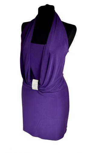Фиолетовое трикотажное платье-бандо с мерцающей брошью