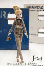 Коллекционная кукла J-Doll Фридрихштрассе в Берлине - J-Doll Friedrichstasse