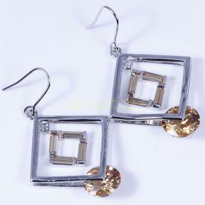 Стильные позолоченные белым золотом серьги с цитринами