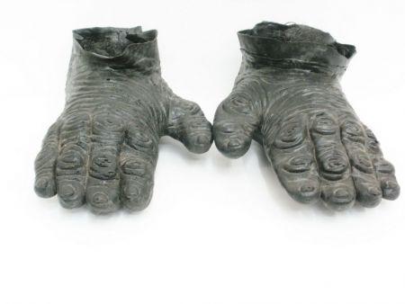 Лапы ботинки ужастика