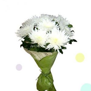 Букет из белых хризантем