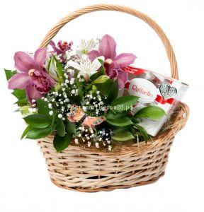 Корзина с Орхидеями и Рафаэлло
