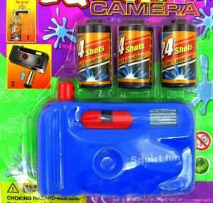 Фотоаппарат-брызгалка с кассетами