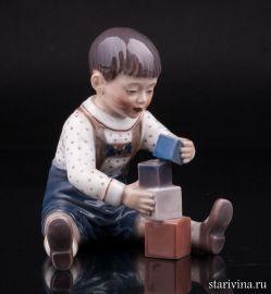 Мальчик играющий с кубиками, Dahl Jensen, Дания