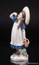 Девочка в шляпе с вишней, Meissen, Германия, нач. 20 в