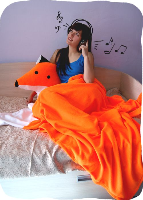 Большая подушка Лиса и оранжевый плед-хвостик