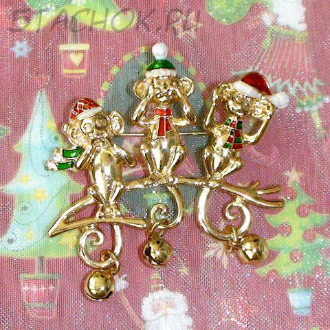 """Брошь """"Рождественские обезьянки"""" под золото, эмаль, блестки"""