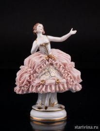 Девушка в розовом платье, кружевная, Muller & Co, Volkstedt, Германия, нач. 20 века., артикул 01830