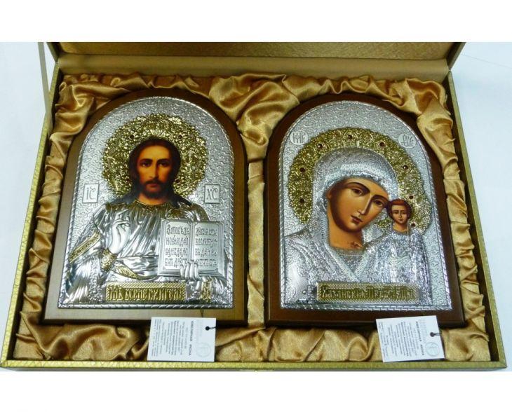 Инкрустированный гранатами подарочный набор (венчальная пара) Христа и Божьей Матери (14,5*20 см, коричневое дерево, Россия) в VIP-упаковке