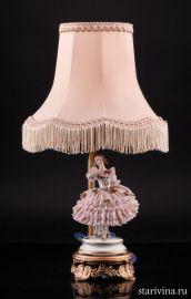 Танцовщица в розовом, кружевная, настольная лампа, Muller & Co, Volkstedt, Германия, нач.20 в., артикул 01973