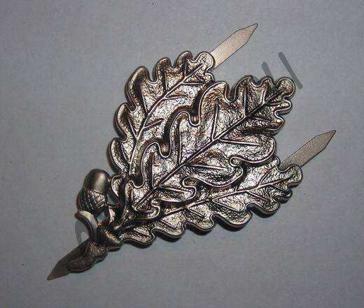 Дубовые листья - эмблема на головной убор егерей Вермахта (копия)