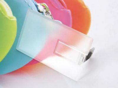 4GB USB-флэш накопитель Apexto U504EPM кредитная карточка прозрачная матовая