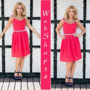 Кружевное красное платье миди