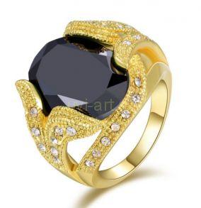 Позолоченный мужской перстень с ониксом и искусственными бриллиантами (арт. 900546)