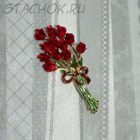 """Брошь """"Красные розы"""" под золото/эмаль"""