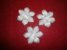 атласные цветочки с острыми лепестками 55мм белые 10шт