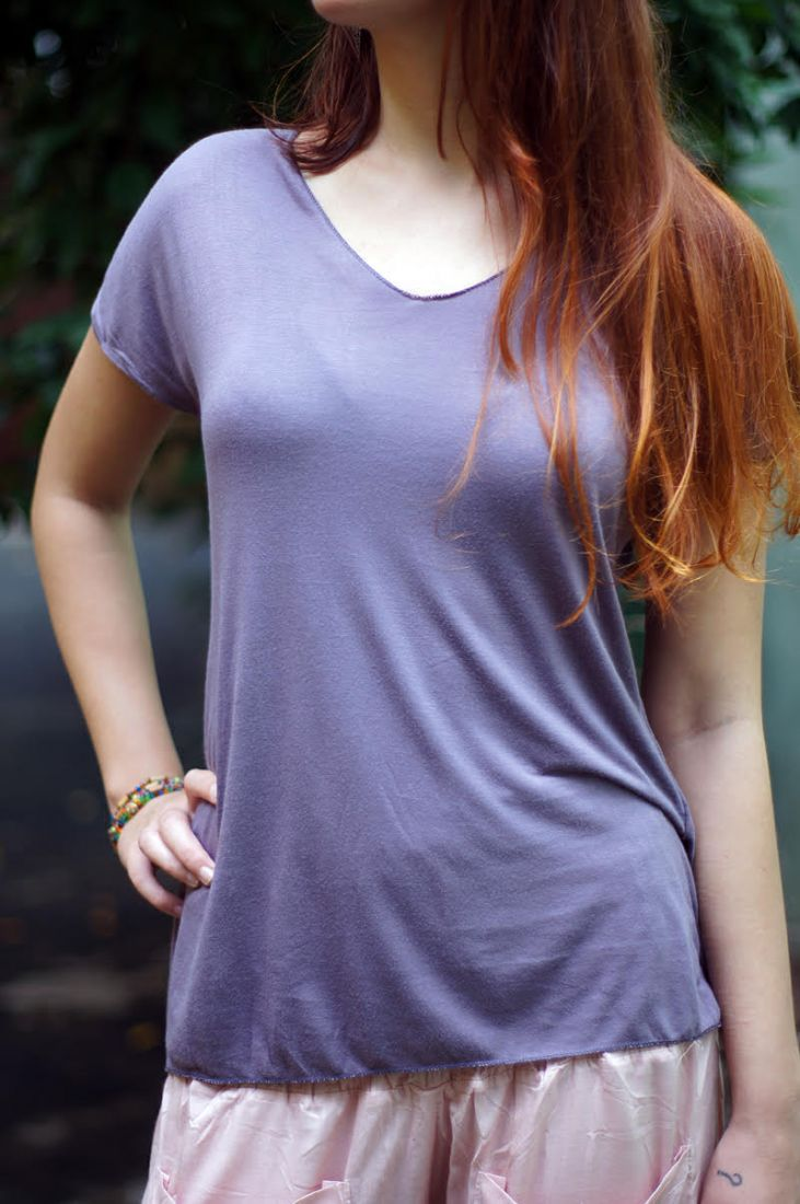 Светло-серая футболка из мягкого трикотажа