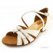 Белые туфли для танцев
