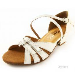 Белые туфли Маргарита
