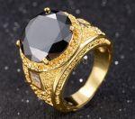 Позолоченный мужской перстень с ониксом и багетными цирконами