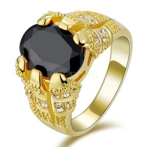 Позолоченный перстень с ониксом и искусственными бриллиантами (арт. 900547)