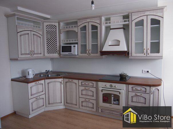 Угловая кухня в средиземноморском стиле