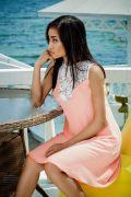 Свободное персиковое платье из креп шифона с кружевом