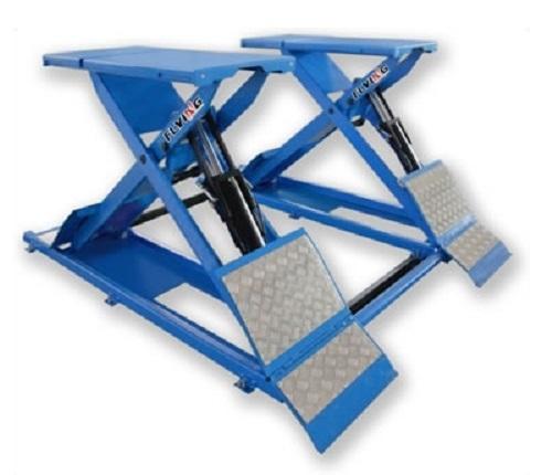 Ножничный подъёмник для общеслесарных работ                                               ◦установка на пол , ◦гидравлическая синхронизация платформ, ◦пневматическое отключение стопорных механизмов, ◦возможность ручного аварийного спуска, ◦4 гидроцилиндра