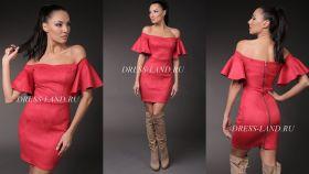 Красное платье-футляр