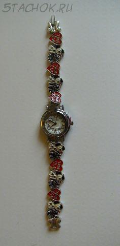 """Часы для девушки """"Кошечки и собачки"""" под серебро (на браслете)"""