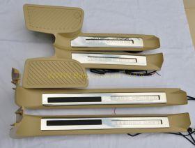 """Накладки на пороги с подсветкой """"Бежевые"""" (Тип 3) для Toyota Land Cruiser 200"""