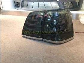 Задняя  альтернативная оптика диодная (Тип Lexus NEW Black) для Toyota Land Cruiser 200