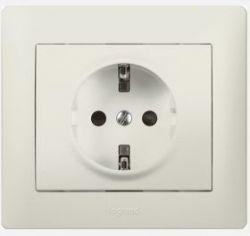Розетка 2К+3 с лицевои панелью и рамкой Белая (арт.771040)