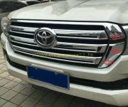 Решетка радиатора  (Накладка хром) для Toyota Land Cruiser 200 2015-