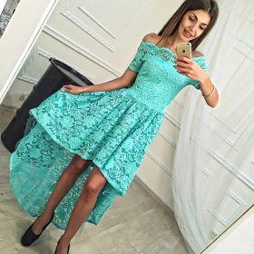 Бирюзовое кружевное платье со шлейфом